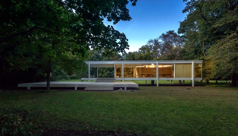 Farnsworth House. Image Credit: Mike Crews