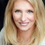 Instructor headshot. Elisabeth Sporer smiling